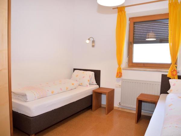 Schlafzimmer 2 Tristner