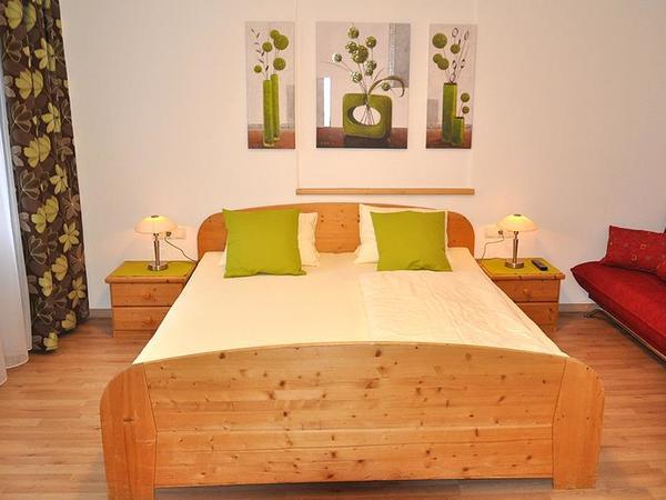 Neu renovierte Ferienwohnung - Schlafzimmer