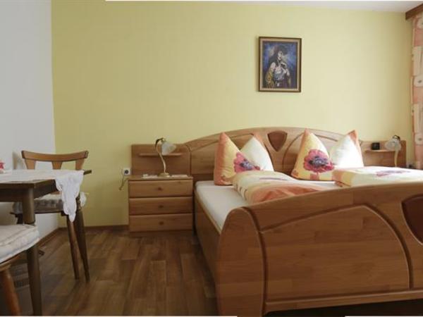 Gästehaus Gisela Bruck Zillertal - Schlafzimmer1a