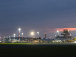 blue-danube-airport_nacht-flughafen-linz_2015