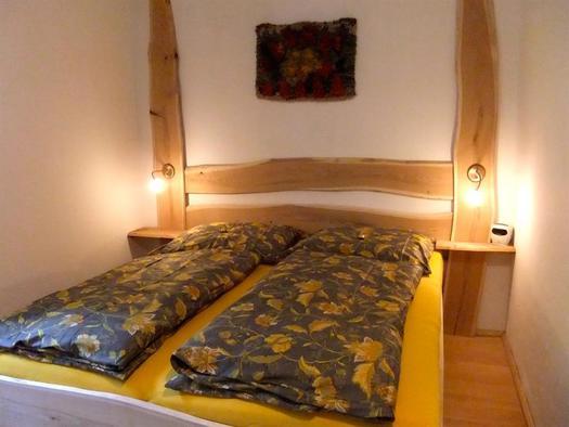 Das neue Vollholzbett aus Kirschbaum
