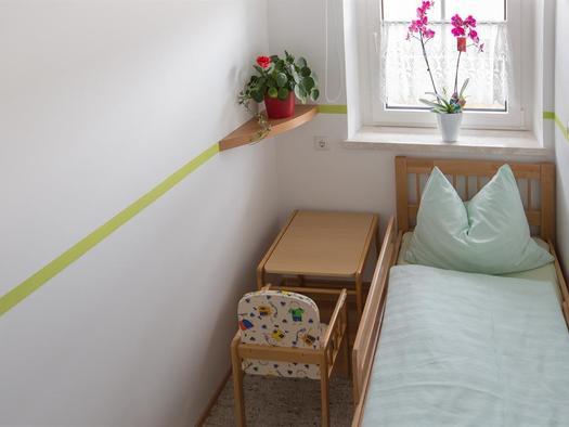 Kleines Kinderzimmer (© Hermann Hanetseder)