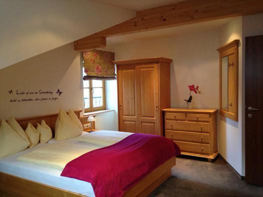 Schlafzimmer - Ferienwohnung Feichtenstein
