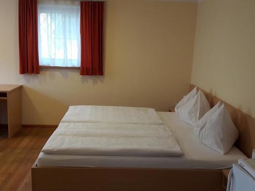 Standard Doppelzimmer 1 (© Pension Haus Ahamer)