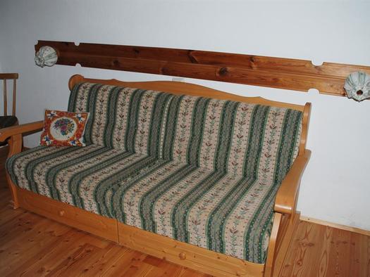 Ausziehbare Bettbank in der Wohnküche