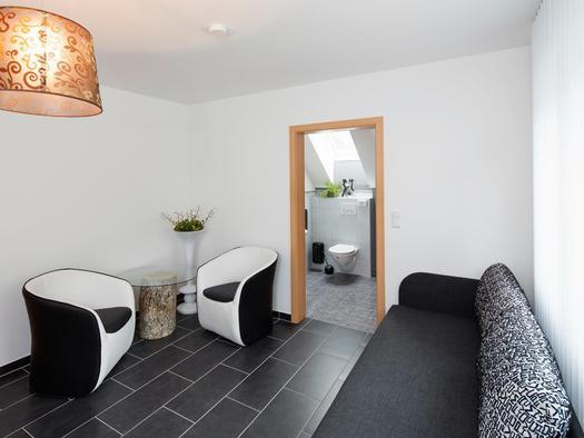 Blick Richtung Badezimmer im `Krambamboli` (© Zum Hirschloser)