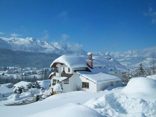 Haus Löger Windischgarsten - Winteraussicht. (© Edith Löger)