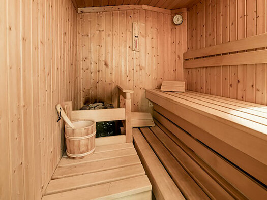 view into the sauna. (© Karin Lohberger)