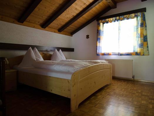 Schlafzimmer Wohnung 3 (© monika pramreiter)