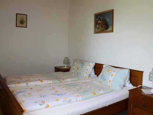 Schlafzimmer 1 (© Edith Löger)