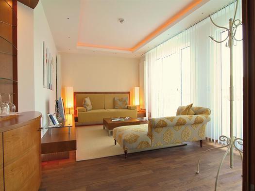 Residenz-Suite-Schlafzimmer (© Almesberger Wellnessresort)
