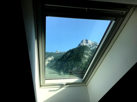 Zimmer 4 Bergblick Krippenstein. (© Thomas Wigert)