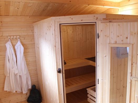 Sauna & Badebottich, Garten Hinterer Apartmenthaus.