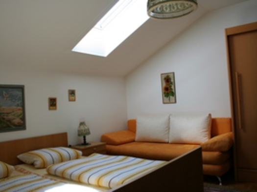 Grünes Zimmer Sitzecke. (© Familie Ebner)