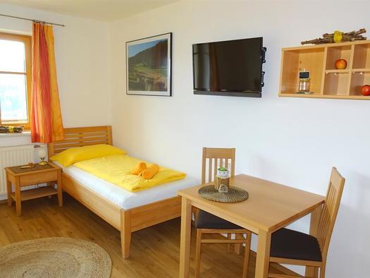 Dreibettzimmer Einzelbett