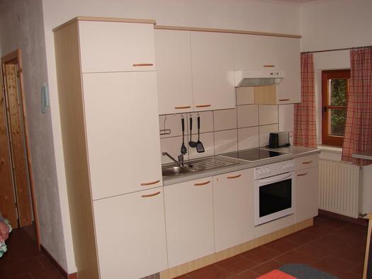 Küchenzeile (© Bauernhof Obere Wolfsgrub)