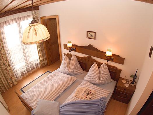 Ferienwohnung Sparberblick Schlafzimmer. (© Franz Laimer)