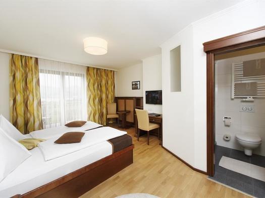 Doppelzimmer, Seeblick (© Hotel Magerl)