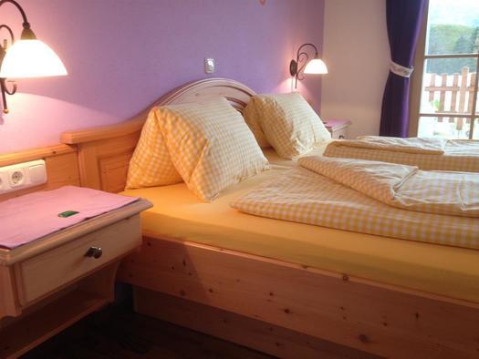 Doppelbett - Vollholz sehr gemütlich (© A. Gösweiner)