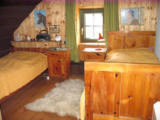 2 Schlafzimmer oben