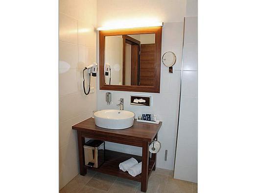 Hochsteg - Gütl Komfortzimmer Bad2 (© Hotel Hochsteg Gütl)