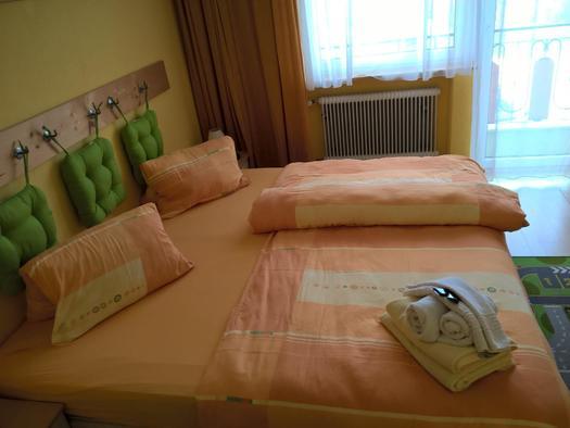 Familienzimmer 202, Gasthaus Pension Sonnenhof 1 (© Dietmar und Heike Krauk)