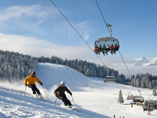 Skifahren in der Urlaubsregion Pyhrn-Priel (© OÖ Tourismus/Hiwu)