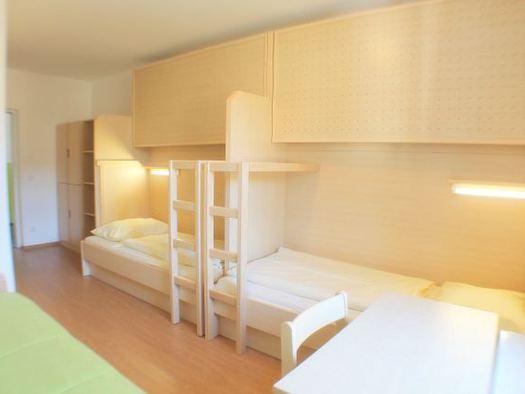 Zweibettzimmer Jugendgästehaus St. Gilgen. (© OÖJHV)