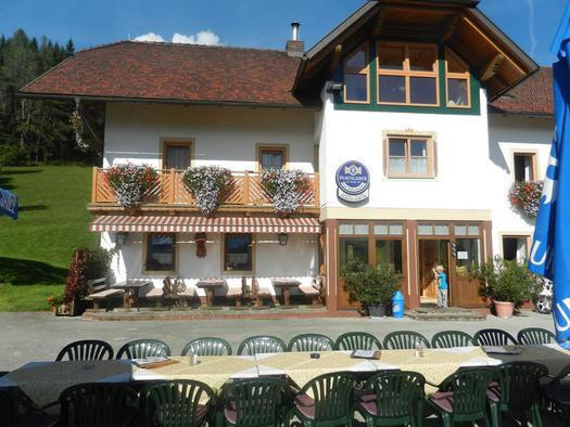 Gasthaus Moosgierler mit Gastgarten