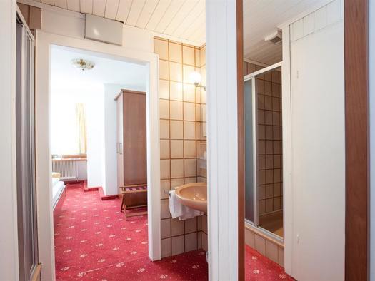 18-E-0574 (© Keramikhotel Goldener Brunnen)