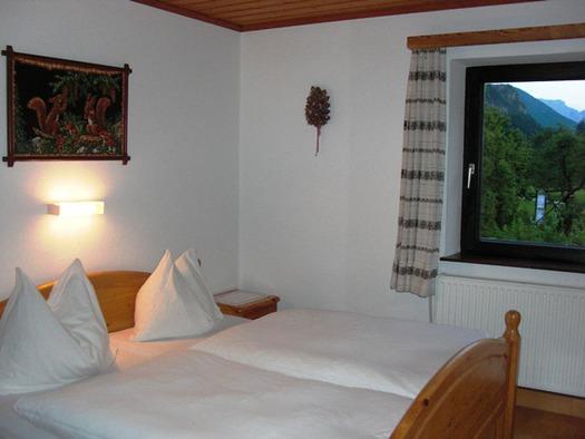 Doppelbettzimmer mit Zusatzbett