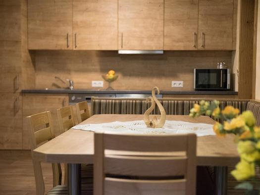 Küche mit Essecke (© Hafner)