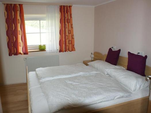 Doppelzimmer im Ferienhaus (© Schlagerberg)