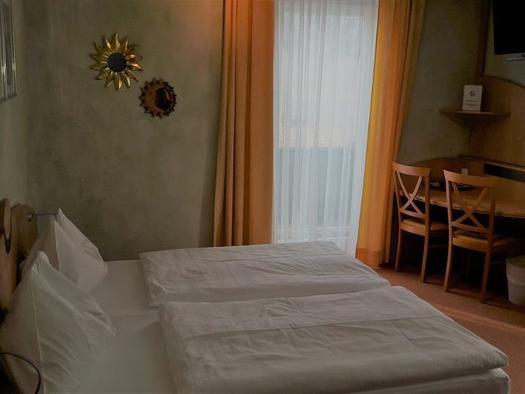 Standard Doppelzimmer (© Pension Ahamer)