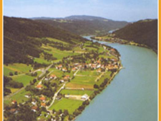 Luftbild von Wesenufer.