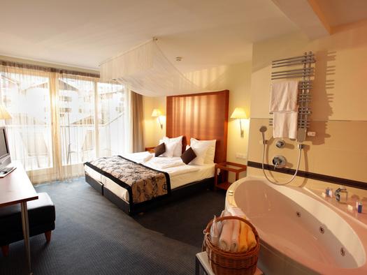 Alle 94 Zimmer sind Unikate. (© Romantik Hotel Im Weissen Rössl)