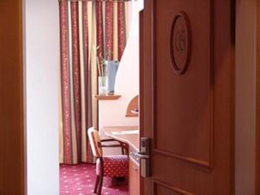 Eingang Doppelzimmer,Hotel Alexandra (© Hotel Alexandra & Bayrischer Hof)