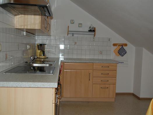 Küche FeWo Ellmaustein (© Familie Stöllinger)