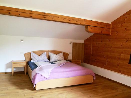 Schlafzimmer mit Doppelbett. (© Familie Radauer)