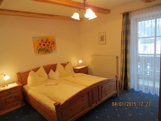 Doppelzimmer Nr. 1 (© Alexandra Oberascher)