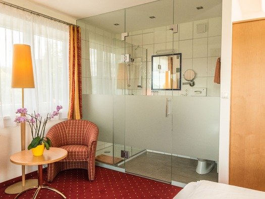 Familienzimmer Bad (© Hotel Haberl)