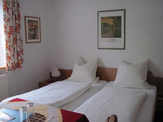 Doppelzimmer Hochparterre (© Sieglinde Gamsjäger)