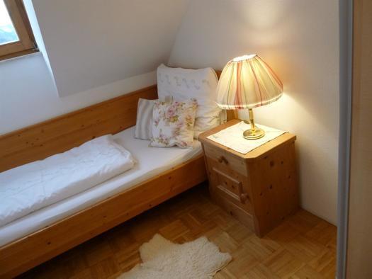Schlafzimmer 3 XXXL Apartment Heustube (© berger)
