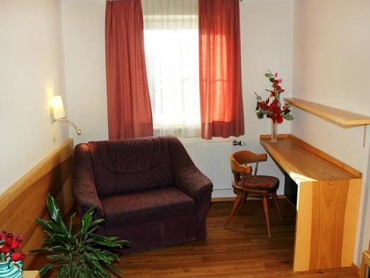 Einbettzimmer 11