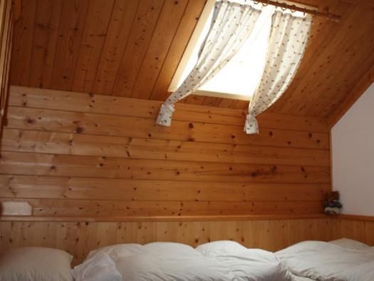 single bedroom. (© Laireiter)