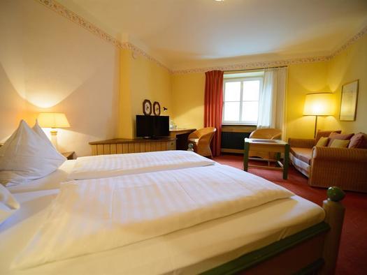 Bett Doppelzimmer 16