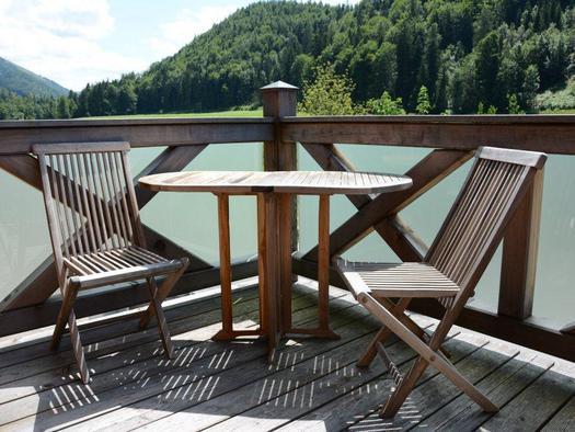 Terrace with a wonderful view over the landscape (© Bramsauerhof Faistenau)