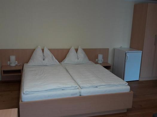 Standard Doppelzimmer 3 (© Pension Haus Ahamer)