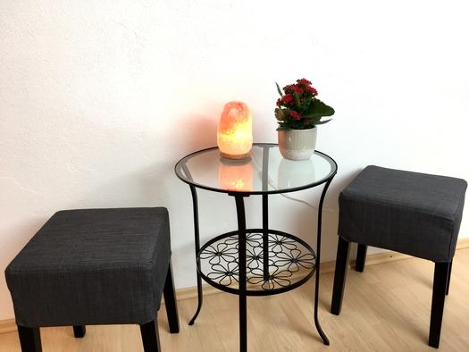 Zimmer 3 kleine Sitzecke. (© Thomas Wigert)