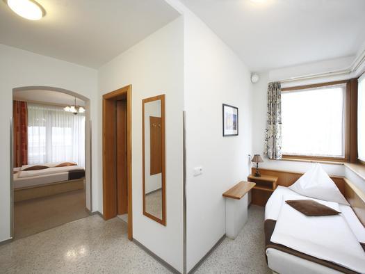 Dreibettzimmer (© Hotel Magerl)